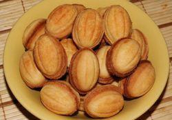 """Рецепт печенья """"Орешки со сгущенкой"""" к праздничному столу"""