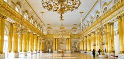 Часы работы Эрмитажа - одного из самых знаменитых музеев России