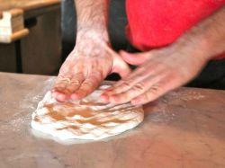 Дрожжевое тесто на кефире: готовим вкусненько!