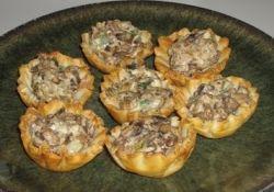 Салат в тарталетках: рецепты быстрого приготовления