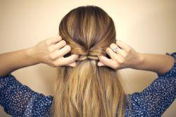Как сделать бантик из волос красиво?