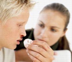 Кровь из носа: причины возникновения явления