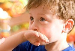 Если у ребенка рвота, что делать родителям?