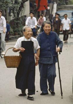 Международный день пожилого человека: как отпраздновать? Сценарий, мероприятия и идеи для праздника