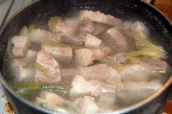 Сколько варить свинину: полезные советы