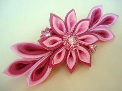 Как делать цветы из атласной ленты своими