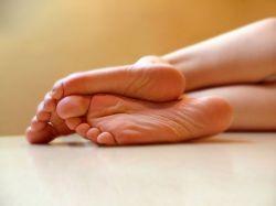 Тяжесть в ногах: причины, лечение