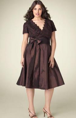 Наиболее привлекательные вечерние платья для полных дам