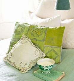 Необычные диванные подушки своими руками